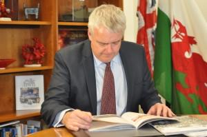 Prif Weinidog Carwyn Jones / First Minister Carwyn Jones © Llywodraeth Cymru / Welsh Government